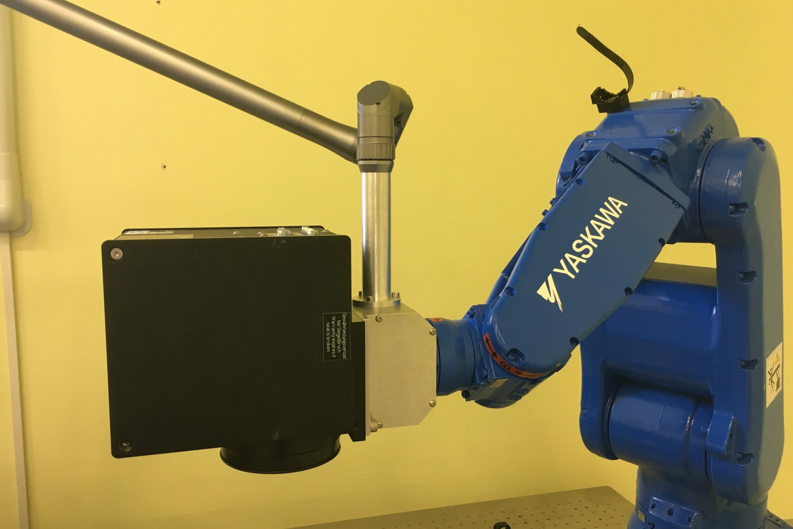Image of robot Galvo scanner motion control application